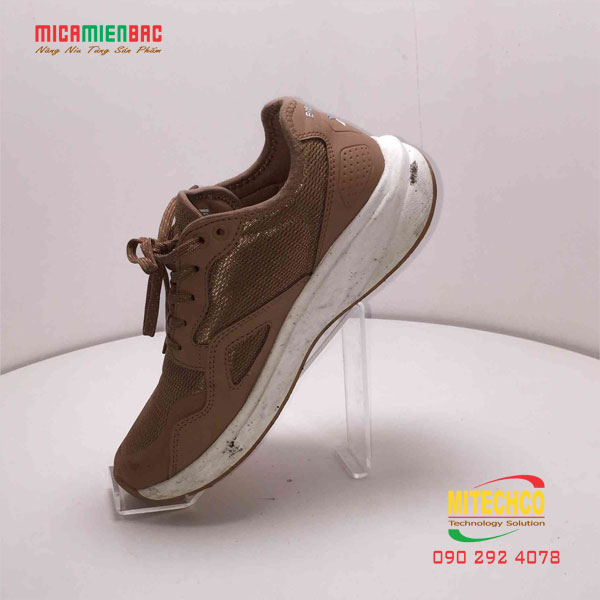 kệ mica trưng bày giày